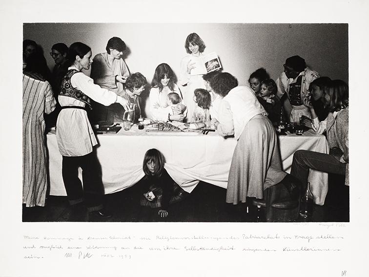 © Margot Pilz, Das letzte Abendmahl. Hommage à Kremser Schmidt, 1979Fotografie, handbeschriebenes Unikat84 x 110 cm Wien Museum