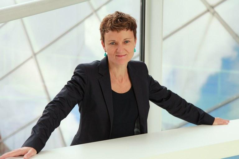 Die erfahrene Kunsthistorikerin und Kulturmanagerin Gerda Ridler übernimmt mit 01. Jänner 2022 die künstlerische Leitung der Landesgalerie Niederösterreich. Mit ihrer ausgewiesenen Expertise in der zeitgemäßen, innovativen Kunstpräsentation und im Kulturmanagement hat sich Gerda Ridler als Direktorin, Beraterin und Autorin einen Namen gemacht.